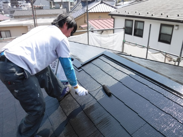 今日は屋根塗装日和。。