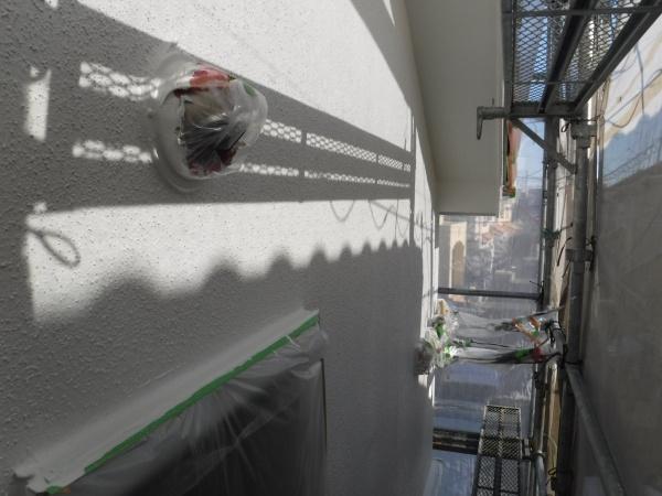 狛江市外壁塗装工事 本日上塗り