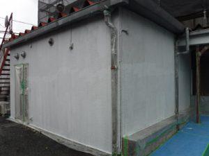 調布市G.Sマンション外壁塗装工事/外壁下塗り作業