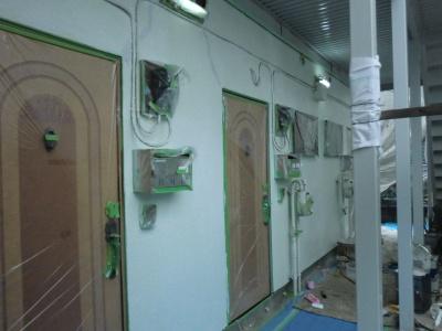 府中市Nアパート外壁・屋根塗装工事/外壁下塗り