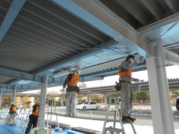 駐車場折半屋根・H鋼塗装工事