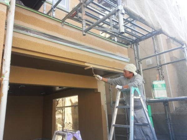 調布市O様邸より外壁・屋根中~上塗り作業