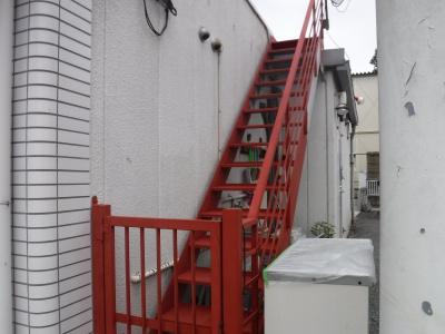 調布市G.Sマンション外壁塗装工事/鉄部さび止め塗装作業