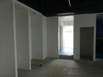 稲城市新規店舗K/屋内塗装作業