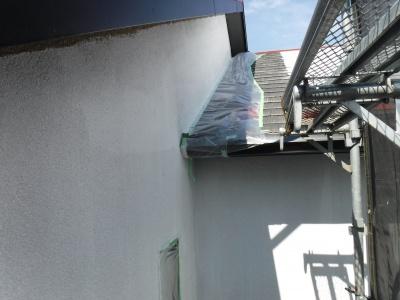 稲城市T様邸外壁塗装工事/外壁下塗り