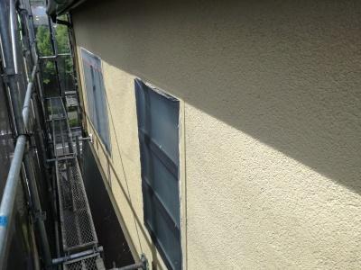 稲城市T様邸外壁・屋根塗装工事/外壁上塗り