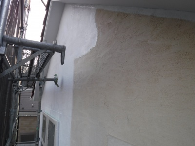 稲城市Y様邸外壁塗装工事/外壁下塗り