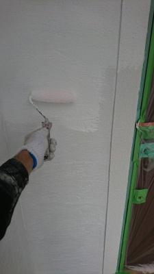 稲城市Y様邸外壁塗装工事/外壁下塗り(2回目)
