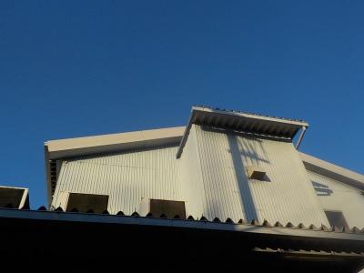 【外壁塗装/折半屋根カバー工法】調布市F倉庫